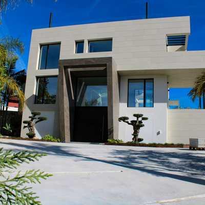 fachada casa de lujo
