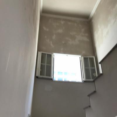 Refilo de yeso en escalera