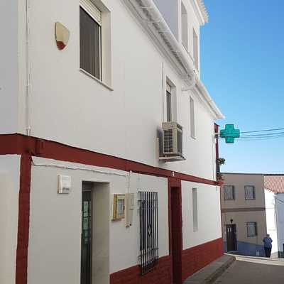 lateral fachada vivienda+ farmacia