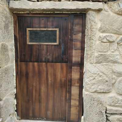 pared con puerta
