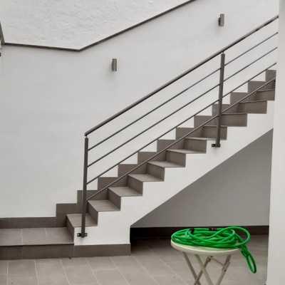 Escalera patio
