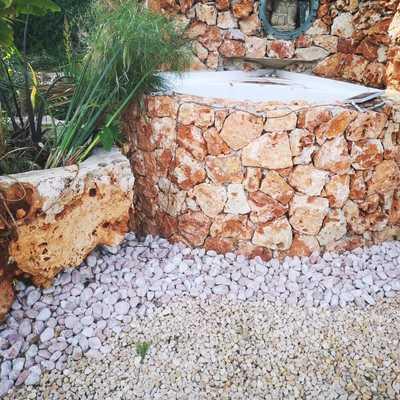 Fuente de piedra.