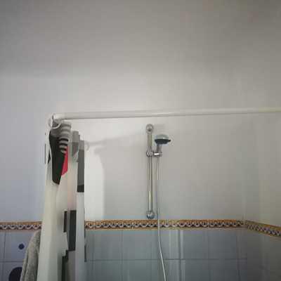 Arreglo de humedades en paredes de baño.