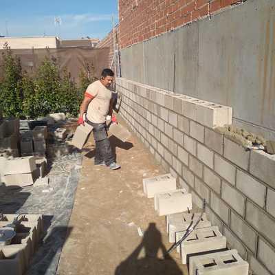 Contruccion de muro visto.
