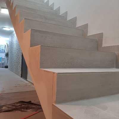 Instalación de plaqueta cerámica imitación madera