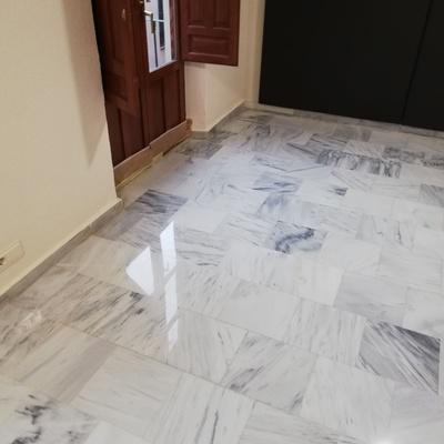 Doamantado de marmol blanco