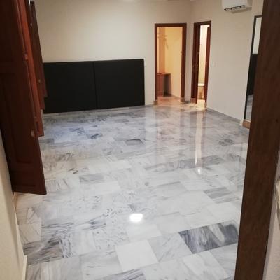 Diamabtado de marmol blanco