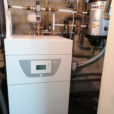 Aerotermia, depósito de inercia - mezcladora