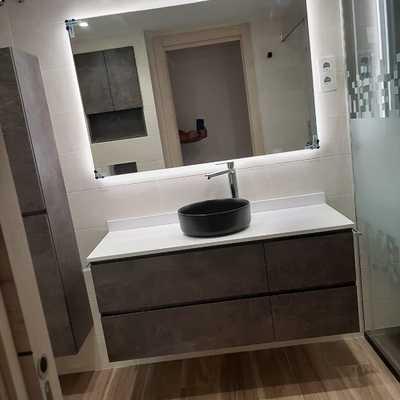 Mueble de baño con lavamanos