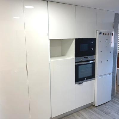Muebles adaptados que optimizan el espacio