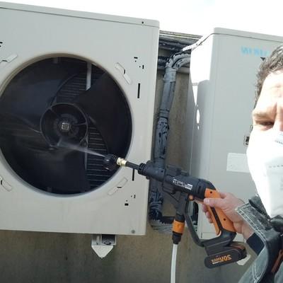 Limpieza de unidad exterior de aire acondicionado Daikin