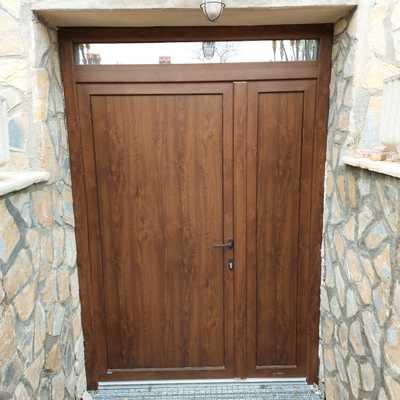 Puerta PVC Nogal
