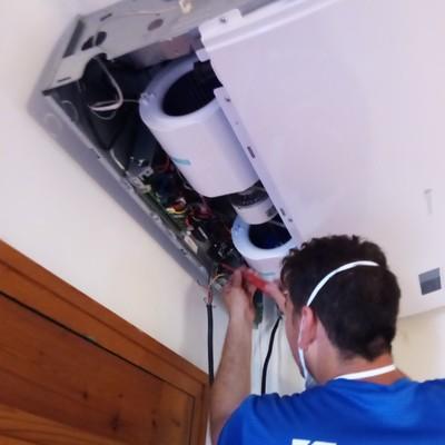 Conexión de Wi-Fi de un aire acondicionado de techo