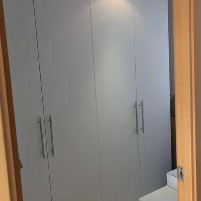 Desmontaje y montaje del armario, trasporte al nuevo domicilio.