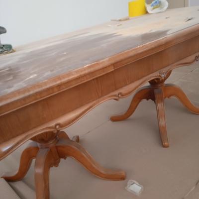 Restauración de una mesa de comedor