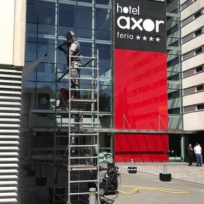 Limieza fachada Hotel Axor