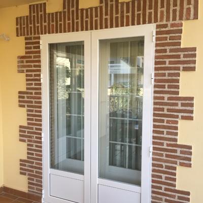 Puerta apertura exterior cerrada