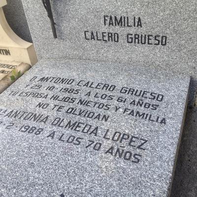 Inscripción grabada en sepultura