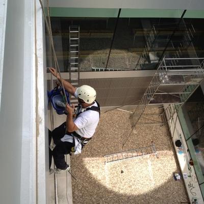 Trabajos verticales de limpieza