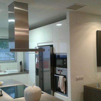 Cocina vivienda unifamiliar con iluminación led