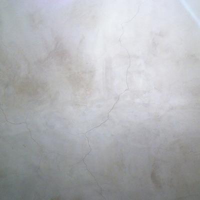 Reparación de pequeños defectos previo al pintado ( aplicación de emulsión acrílica )