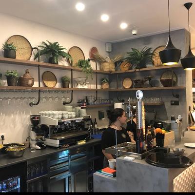 Trasbarra y zona cafetería de Nutnut