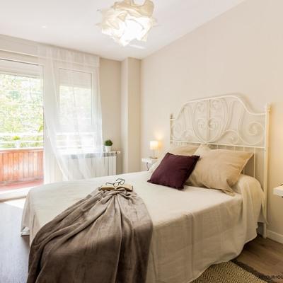 Detalle reforma y Home Staging apartamento. Dormitorio principal