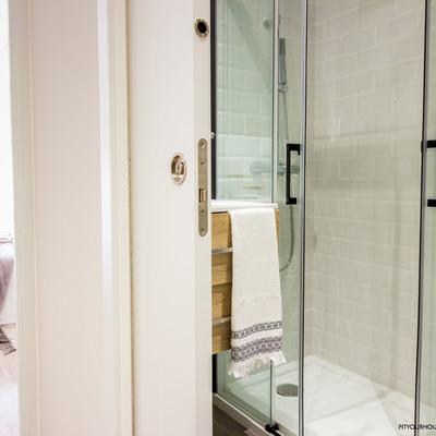 Reforma apartamento en alquiler y Home Staging. Detalle baño