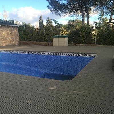 Tarima sintetica de exterior piscina
