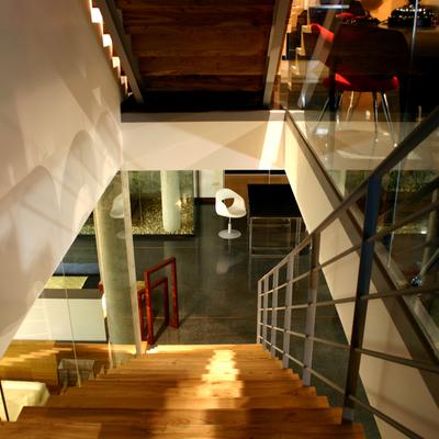 Acceso exposición planta baja Muebles Vima