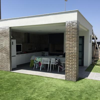 Construccion cocina exterior con paellero