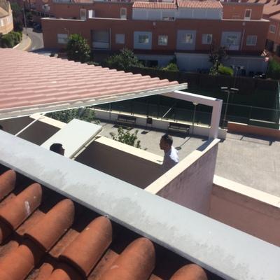 Cerramiento de panel teja