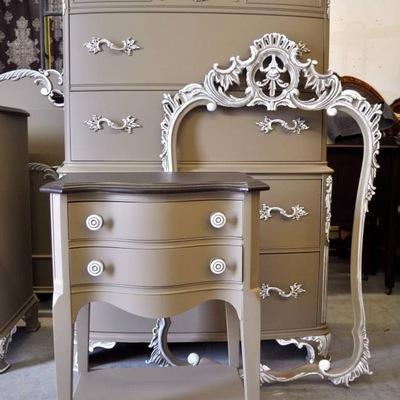 Preciosos muebles restaurados