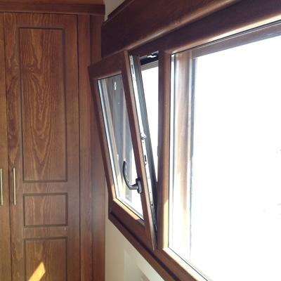 Detalle ventana con fijo