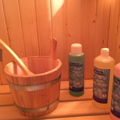 Cubo y caso de madera, productos para sauna