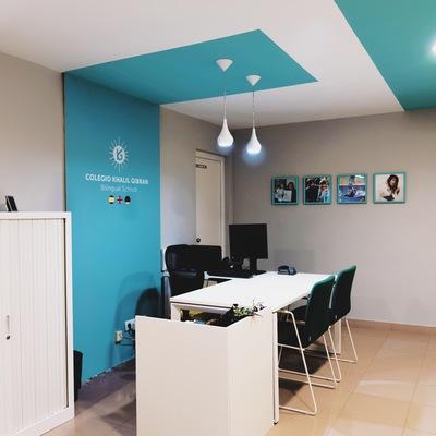 Proyecto interiorismo secretaría colegio Khalil Gibran