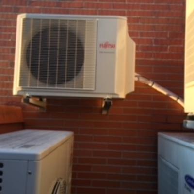 Vista de unidades exteriores de aire acondicionado