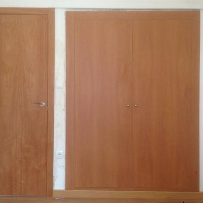 Puerta y armario de cedro