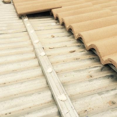 Reforma tejado con teja hormigón sobre uralita de plancha existente