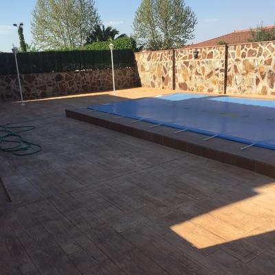 Reparación de piscina y hormigón impreso