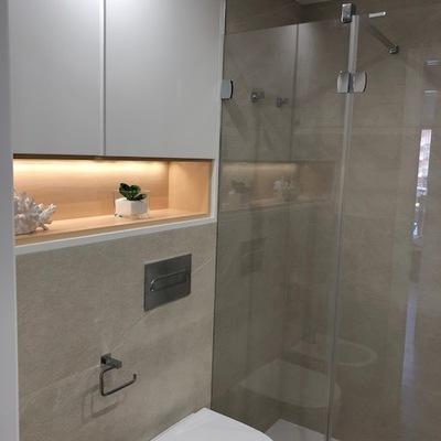Hornacina y detalle baño