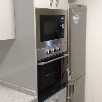 detalle horno y micro-ondas