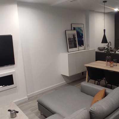 Chimenea y tv empotrada acabado y pintado