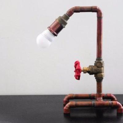 Lámpara de mesita industrial