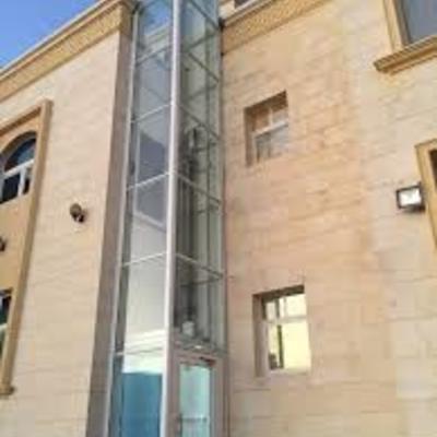 Ascensor acristalado en Zaragoza  instalado por la fachada