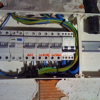 Instalacion caja de automaticos en vivienda
