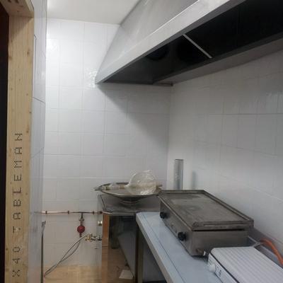 Instalación Campana de extracción de humos