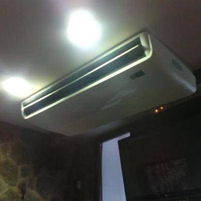 Instalación de aire acondicionado en cafetería
