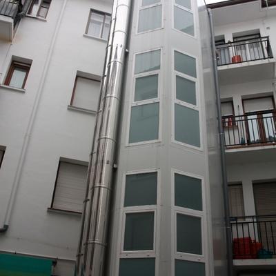 Instalación de ascensor en Calle Mercado Viejo 1 (Estella)