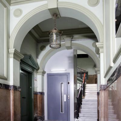 instalación de ascensor en pario interior